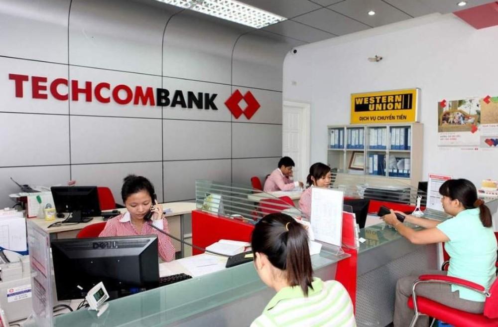 ngan-hang-techcombank-3-1-1631530379.jpg